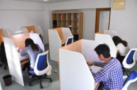 効率よく学べる「医師講師付き自習室」で学習環境を整える